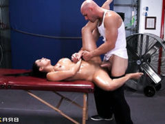 Johnny Sins makes Diamond Kitty scream and shout with