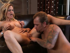 Blonde Jessica loves her some pussy licking