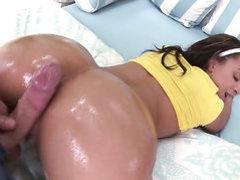 Brunette pornstar Teanna taking it deep