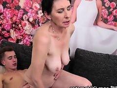 Granny Porn Tubes (2201)