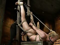 tracey elegant gets fisted by her dominante dom-master